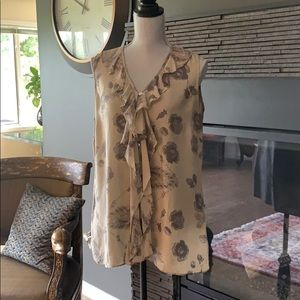 Cabi #149 Tranquil Floral Sleeveless blouse